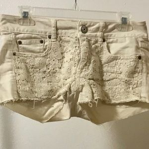 American Eagle textured short